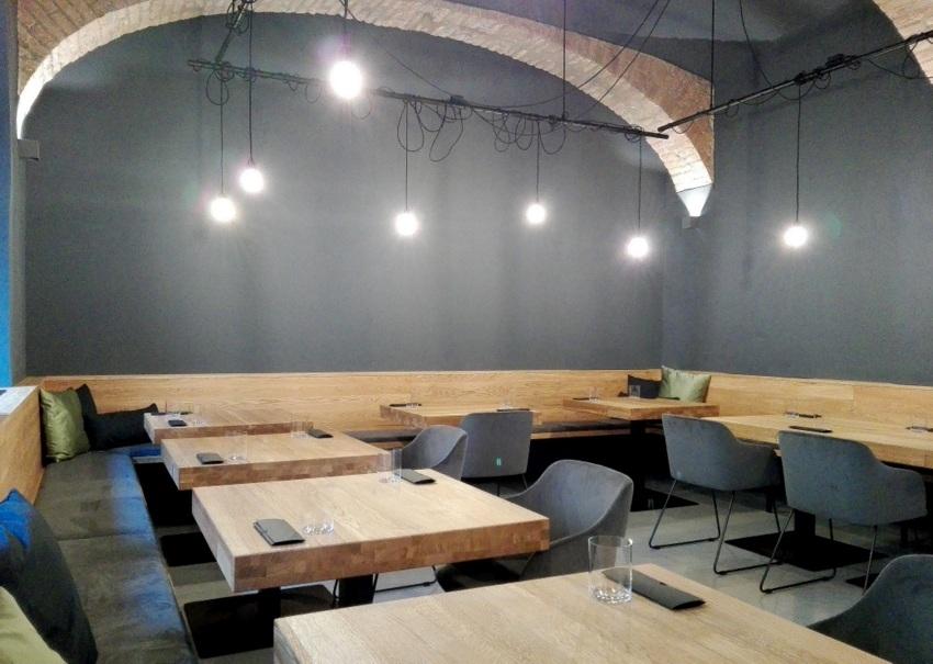 das einnehmende Interieur im schönen, neuen Restaurant von Fabian Günzel, Bild (c) Claudia Busser - kekinwien.at