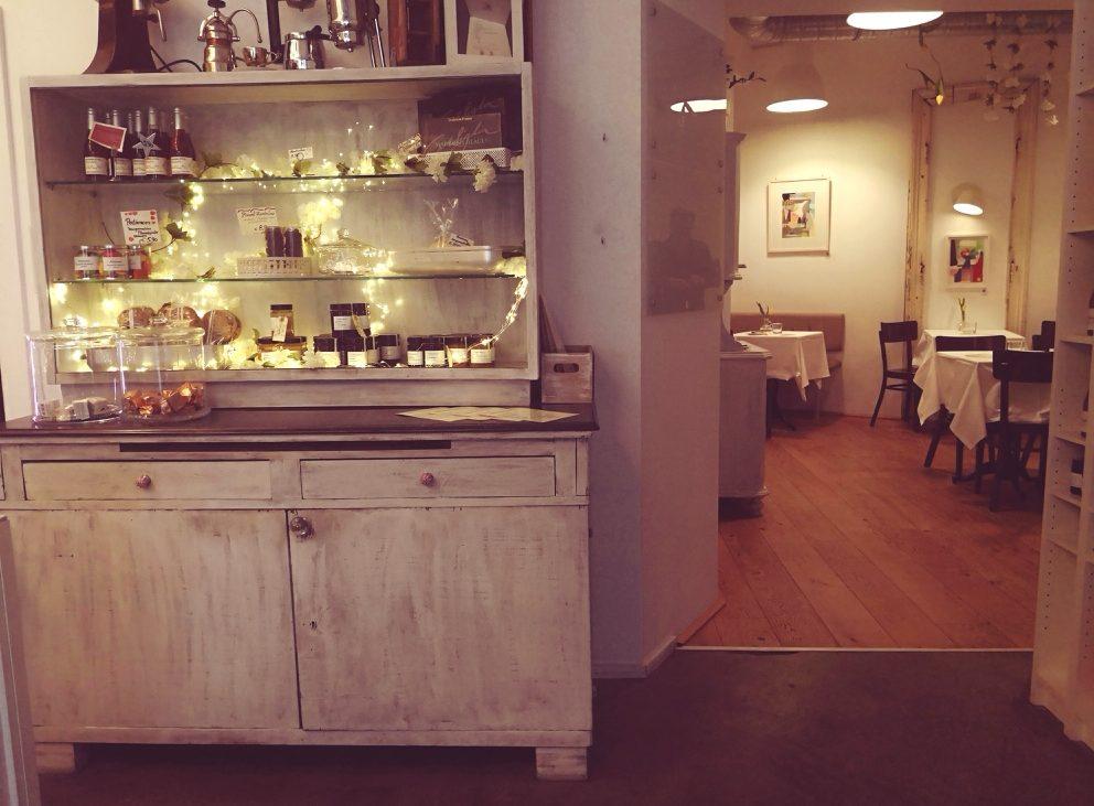 Einblick in den hübschen, kleinen Gastraum, Bild (c) Andrea Pickl- kekinwien.at