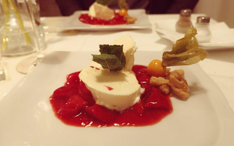 Schokoladeparfait mit Erdbeeren, Photo Andrea Pickl - kekinwien.at
