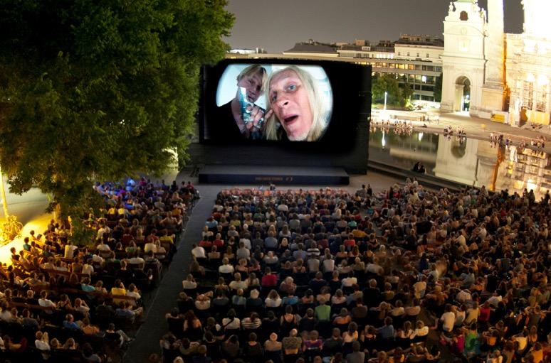 Kino unter Sternen vor der Wiener Karlskirche, Foto (c) Kino unter Sternen