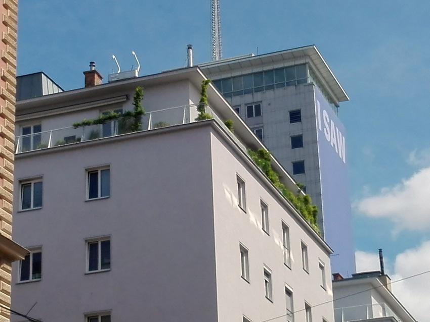 I SAW THIS, Gottfried Helnwein, Ringturm Rückseite, Bild (c) Claudia Busser - kekinwien.at