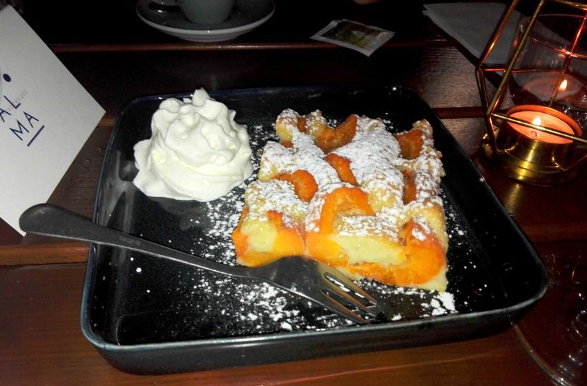 Marillenblechkuchen wie bei der Oma, süße Empfehlung des Tages Nr. 2, auch um Euro 5,50, Alma, Bild (c) Claudia Busser - kekinwien.at