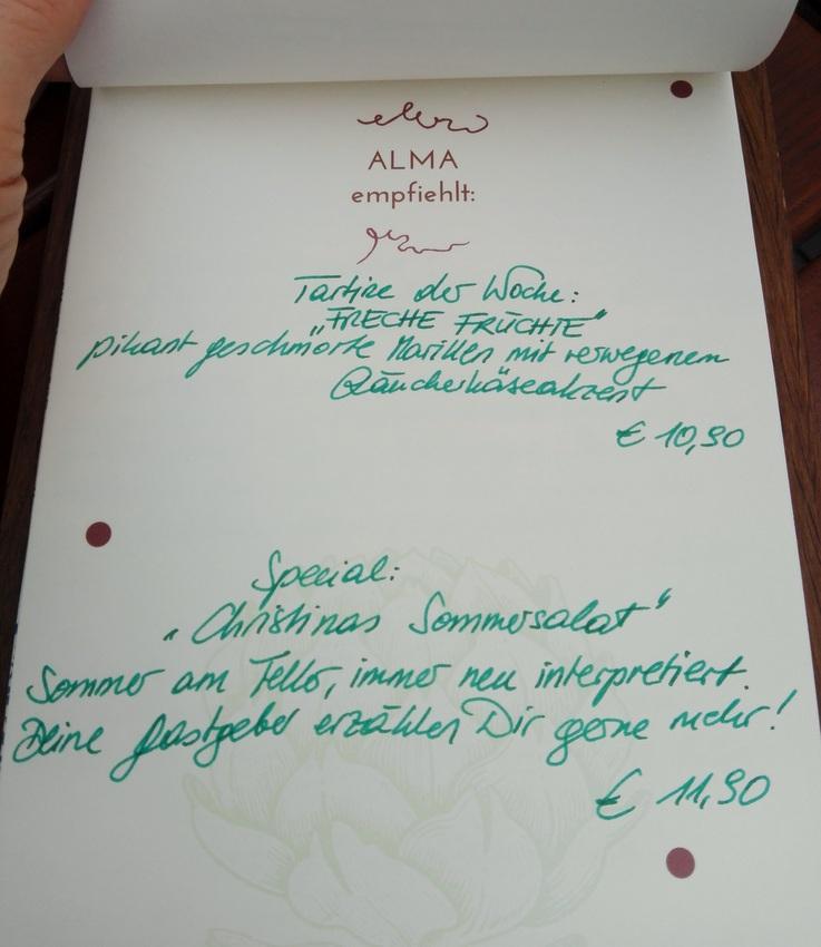 sympathische Namen für kreative, kleine Gerichte auf der Speisekarte in der Alma Gastrotheque, Bild (c) Claudia Busser - kekinwien.at