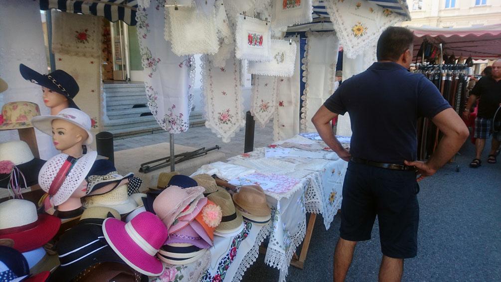 auf dem Markt , Bild nach der DSGVO,BIld (c) MIscha Reska - kekinwien.at