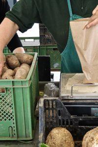 auf dem markt_warum-_4_©_mischa_reska_kekinwien.JPG