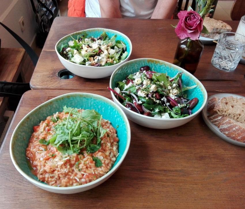 Risotto und Salate, Café Hildebrandt, Bild (c) kekinwien.at