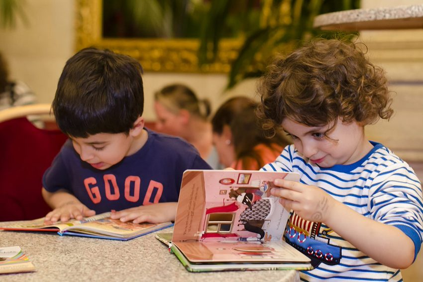 Wiener Kinderlesefest, lesende Kinder, Bild (c) echo medienhaus