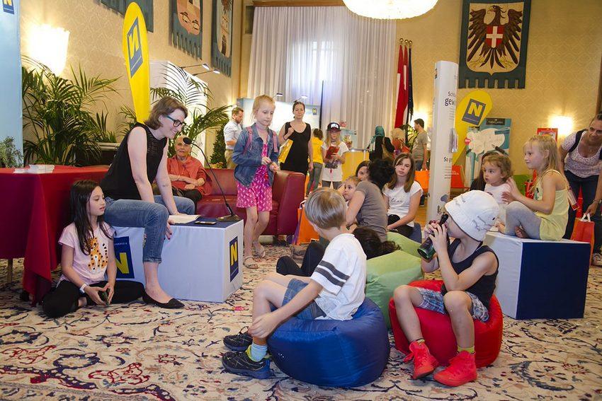 Autor*innenlesung auf dem Wiener Kinderlesefest, Bild (c) echo medienhaus