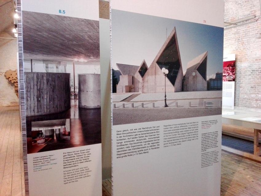 Poster in der Ausstellung SOS Brutalismus im AzW, Bild (c) Claudia Busser - kekinwien.at