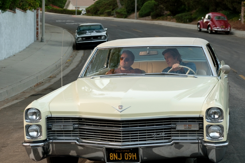 Rick Dalton (LEONARDO DICAPRIO, l.) und Cliff Booth (BRAD PITT, r.) in Once Upon a Time in Hollywood © 2019 Sony Pictures Entertainment Deutschland GmbH