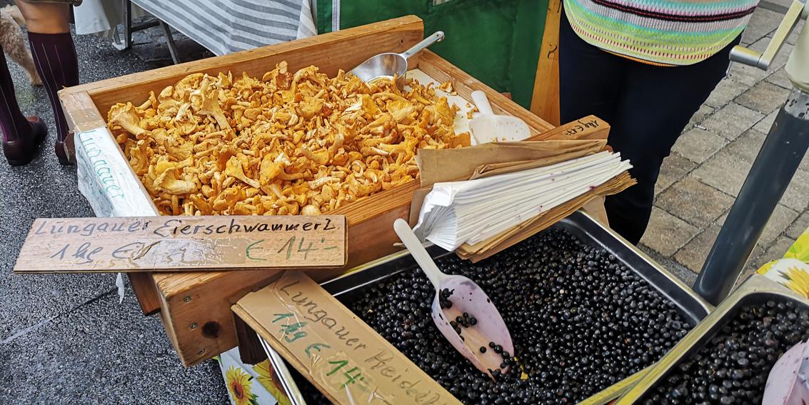 Eierschwammerl und Beeren, Schätze des Sommers auf dem Markt, Bild (c) Mischa Reska - kekinwien.at