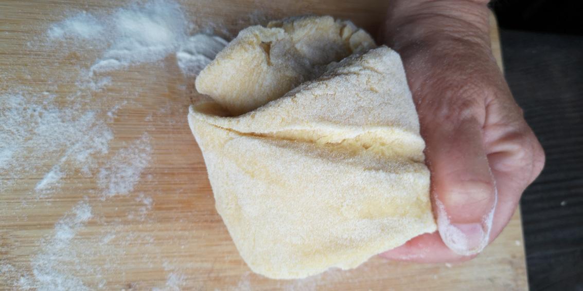 Teig für Teigtaschen, Bild (c) Mischa Reska - kekinwien.at