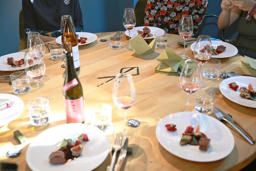 Das erste Pairing mit Sake fand bereits vor Beginn der 1. Sake Week Vienna im Restaurant Herzig, 1150 Wien statt, Bild (c) Sake Week Vienna
