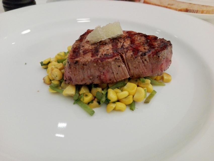 Steak, Mais, Koriander im Spoon, Bild (c) Claudia Busser - kekinwien.at