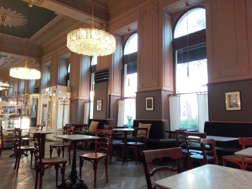 Café Westend Neuübernahme Johann Diglas Kekinwienat