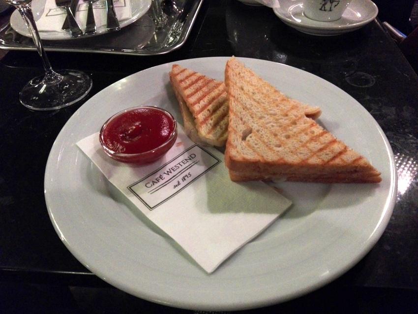 Schinken-Käse-Toast im Café Westend um Euro 4,80, Bild (c) kekinwien.at