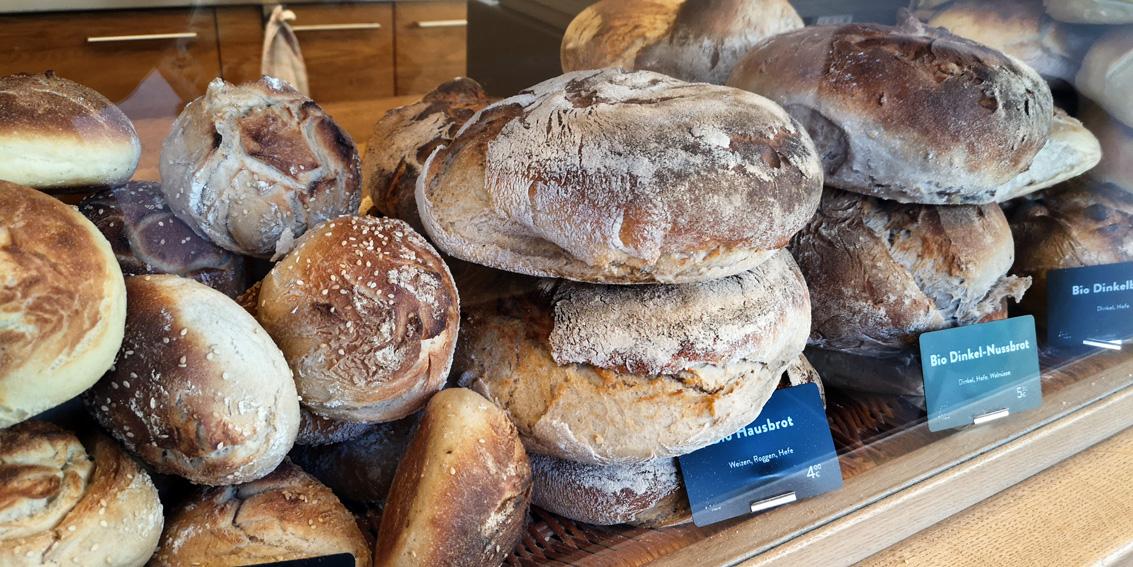 Brot aus dem Holzofen, auf dem Markt, Bild (c) Mischa Reska - kekinwien.at