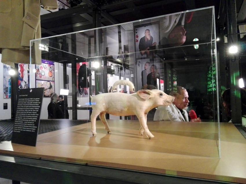 Ein Objekt der Ausstellung SHOW OFF im Wiener MAK, Bild (c) Claudia Busser - kekinwien.at