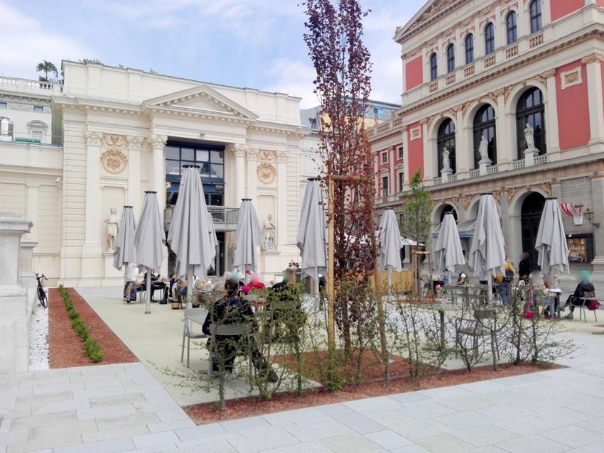 das frisch renovierte Künstlerhaus Wien, rechts der Musikverein, Bild (c) Claudia Busser -kekinwien.at