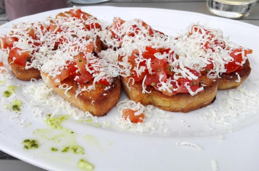 Bruschette Tomaten & ricotta salata um Euro 7,50, Allegro, Bild (c) Claudia Busser - kekinwien.at